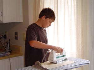 ironing_tanner_02